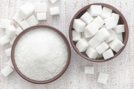 Можно ли употреблять сахар при грудном вскармливании и в каком количестве?