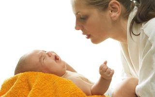 Почему возникают колики и газики у новорожденных?