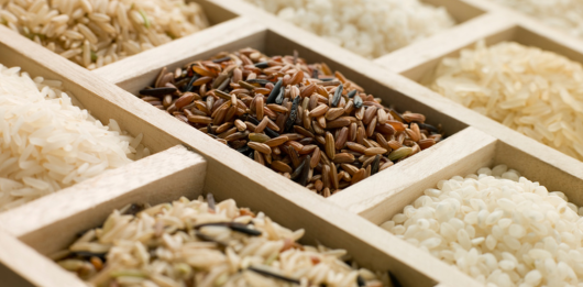 Можно ли употреблять рис кормящей маме, какие сорта и в каком количестве?