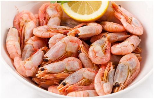 Запрещено ли кушать креветки маме в период грудного вскармливания?