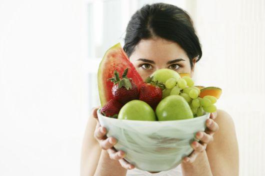 Что из фруктов можно есть кормящей маме?