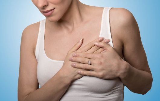 Болит грудь при лактации: причины и лечение