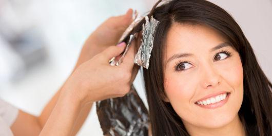 Окрашивание волос при грудном вскармливании: можно или нет?