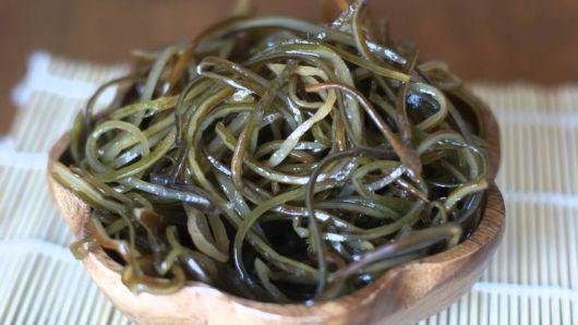 Можно ли есть морскую капусту кормящей маме при грудном вскармливании?