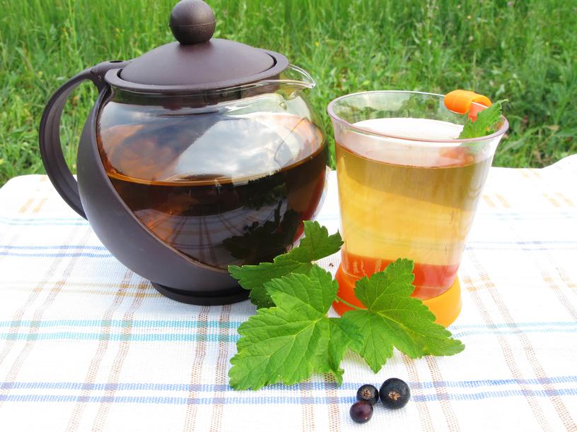 чай с черной смородиной